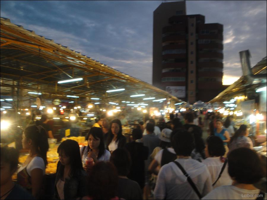 Thailand Pattaya – midnight street market, hookers, and city views