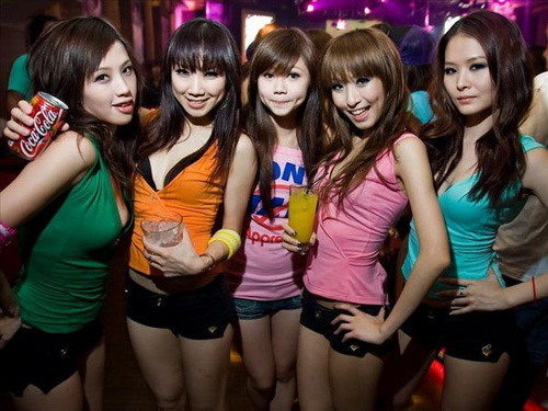 Hookers_in_China_04