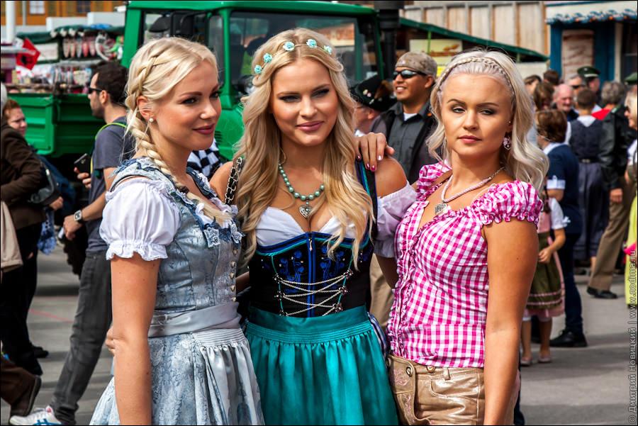top-10-hot-sexy-girls-octoberfest-2015-17